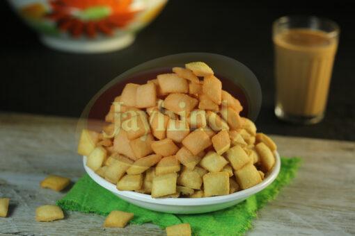Only Jayhind Sweets Make Best Shakkarpara In All Over World, We Deliver Shakkarpara All Over The World. Buy Now On jayhindsweets.com
